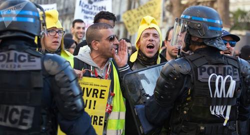 Acte XXXIX, les gilets jaunes sur les péages et à Paris