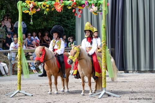 LES PETITS RUSSES carrousel 2016 - Victoires des arts équestres