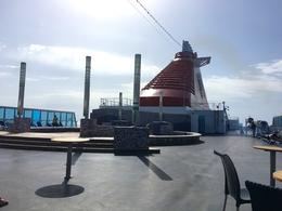 Cruise Europa - près de la piscine
