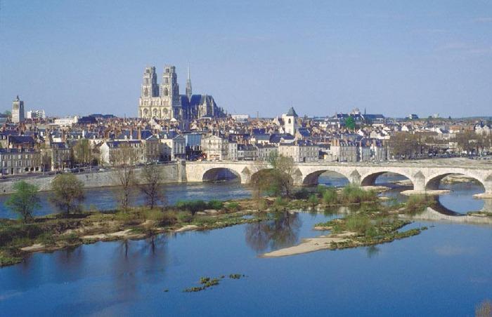 Sur Les Pas De Jeanne D'Arc Dans Le Val De Loire...  Par François Silvan...