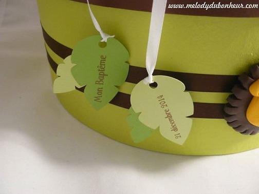 Urne baptême savane lion chocolat et vert anis