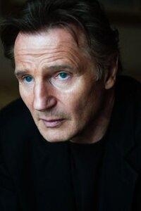 Liam Neeson Filmographie : Liam Neeson, de son vrai nom William John Neeson, OBE, né le 7 juin 1952 à Ballymena (Irlande du Nord), est un acteur britanno-américain.  Il est connu pour ses rôles d'hommes courageux et révolutionnaires dans des films comme La Liste de Schindler et Rob Roy, ainsi que pour sa participation à des grosses productions telles que Star Wars, épisode I : La Menace fantôme, Taken, et Batman Begins. Il a également été dirigé par de grands réalisateurs comme George Lucas, Christopher Nolan, Steven Spielberg, Woody Allen, Ridley Scott ou encore Martin Scorsese.