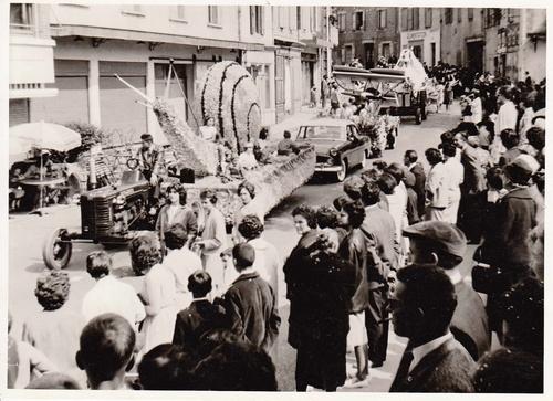 Année 1962 - Le Carnaval organisé par l'UCAG ! Série de 15 photos inédites !