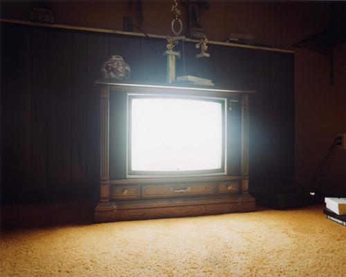 Le poste de télé encore