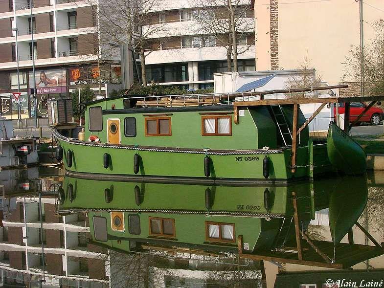 Canal_St_Martin_20Fev09_5