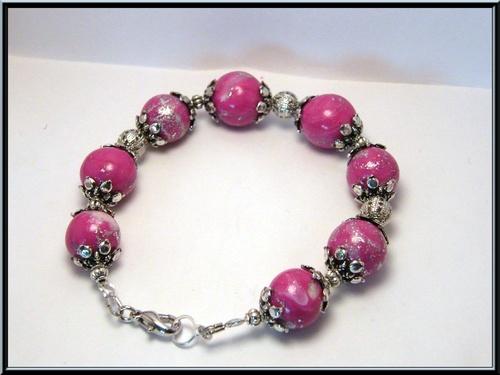 braceler perle mokumé rose fuchsia incrustation feuille argenté.