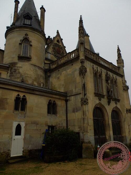 le chateau de Mont L'eveque
