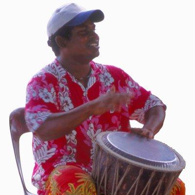 le maloya, une musique, un chant et une danse de la réunion.