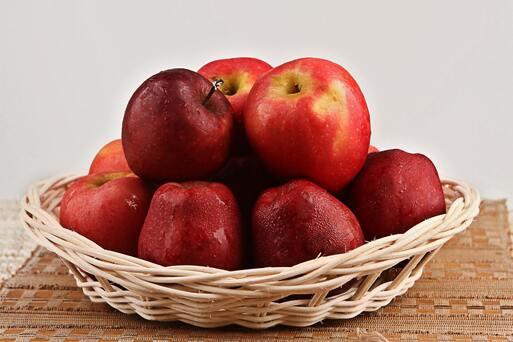combattre la constipation avec la pomme