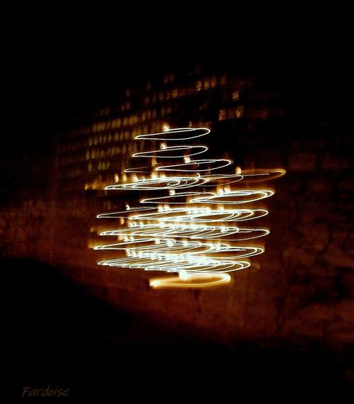 La lumière vint au mur des offrandes