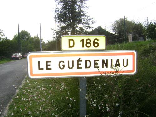Guédéniau, l'abbé Bourjuge....