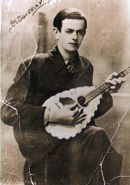 Vassilis Tsitsanis a 100 ans