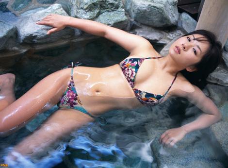 WEB Gravure : ( [Bomb.tv - GRAVURE Channel] - | 2005.06 | Yuzuki Aikawa/愛川ゆず季 )
