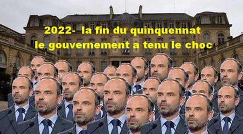 Le gouvernement Philippe se désagrège mais il tient bon.