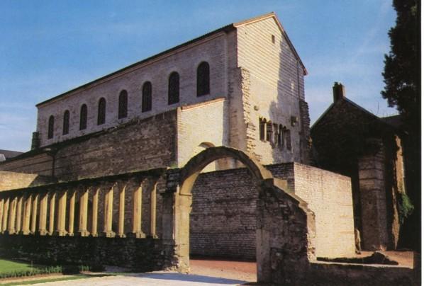 St Pierre aux Nonnains