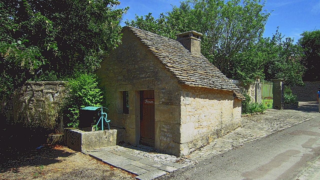 Jours-lès-Baigneux FR21 four IMG0004.jpg