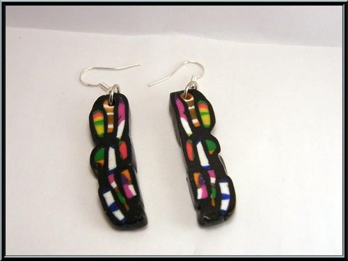 Boucles d'oreilles multicolore façon cane Alice Stroppel en fimo.