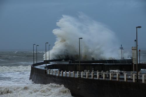 Le port de Comberge dans la tempête.
