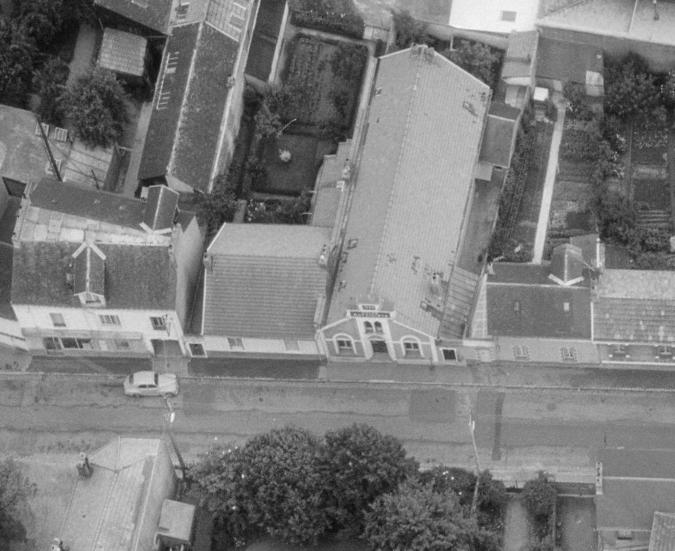 Nantes, rue de la Constitution en 1965, le temple (remonterletemps.ign.fr)