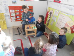 Quelques ateliers en classe de MS GS