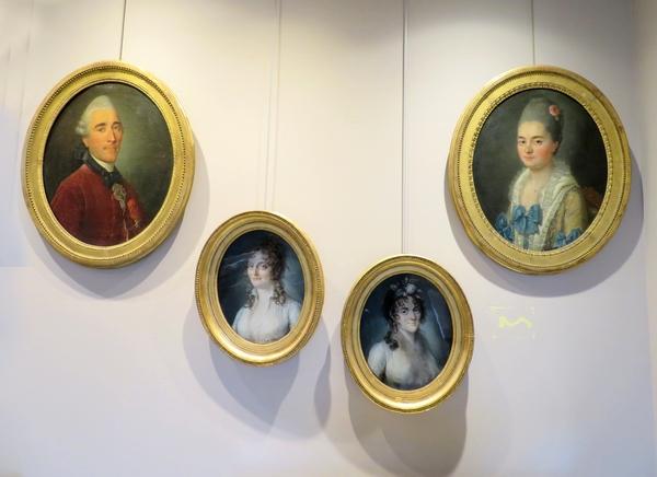 Quelques portraits et souvenirs intimes de la famille d'Auguste Viesse de Marmont, duc de Raguse ont été présentés au Musée du Pays Châtillonnais