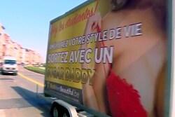 Wolu1200 : Y a-t-il débauche de nos étudiantes via des pubs qui circulent sur des camionnettes ?