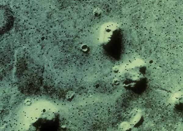 "Les célèbres ""visages"" de Mars"