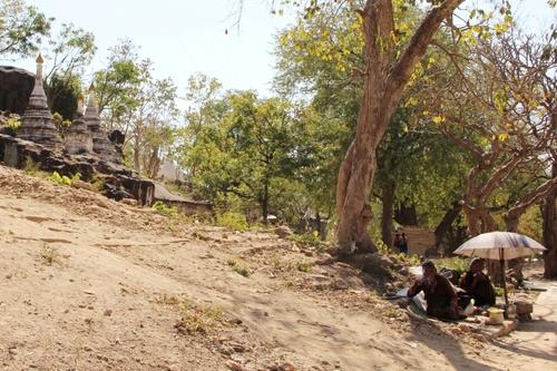 Les grottes de Po Win Taung