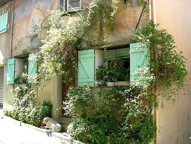 Maisons et ruelles d'Allauch (8)