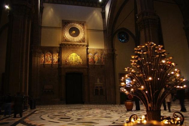A l'intérieur del Duomo