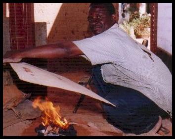 art katangaisProcédé de fabrication des tableaux en cuivre avec des feuilles des sociétés minières du Katanga
