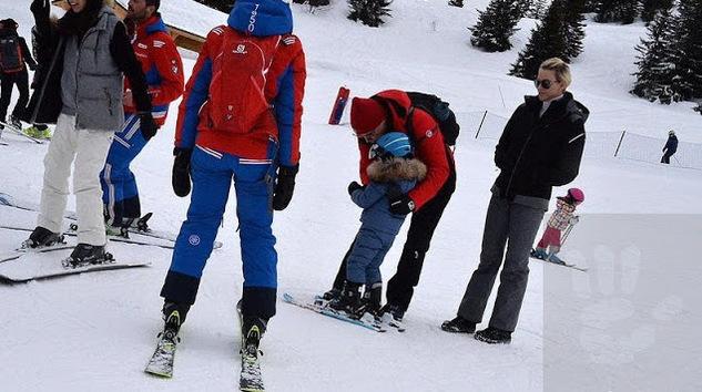 Albert, Charlène, Jacques et Gabriella au ski