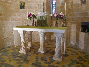 Zoom sur l'autel