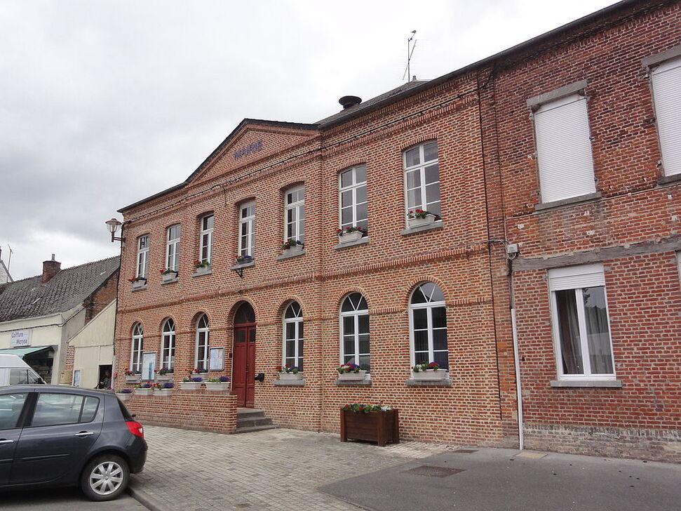La mairie de Marly-Gomont