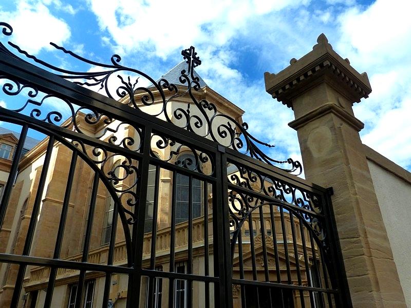Metz / Les Résidences Morlanne dans l'ancienne Maternité Sainte-Croix...