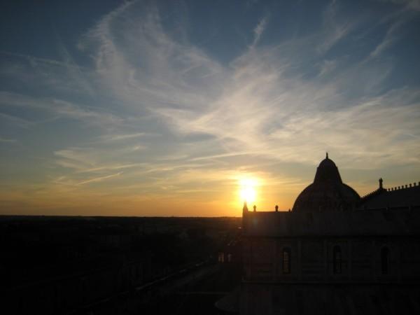 coucher de soleil à Pise
