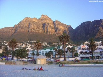 spectacular camps bay beach with table mountain backdrop visit cape spirit for more photos