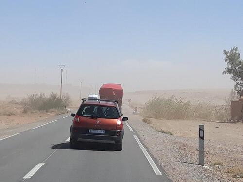 Nous voilà dans ne petite tempête de sable