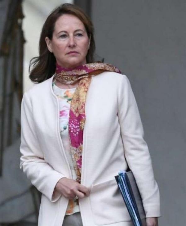 Remarques déplacées, petites humiliations… Ségolène Royal raconte le sexisme ambiant au pouvoir