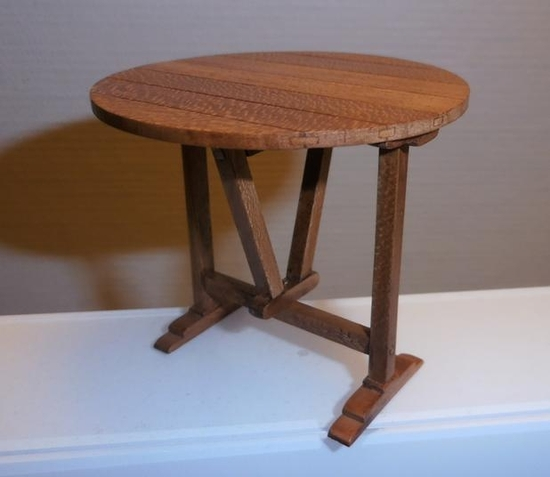 Table de vigneron miniature
