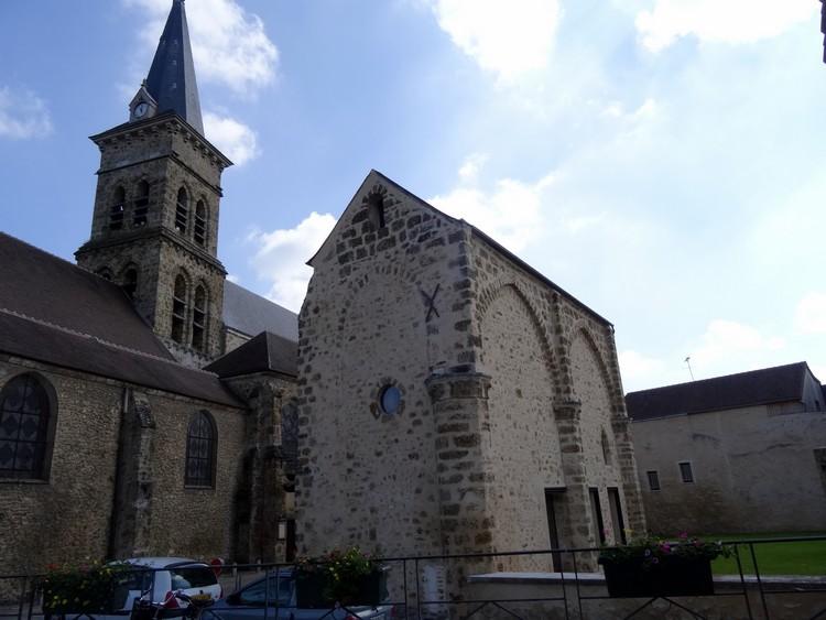 Eglise et ancien prieuré