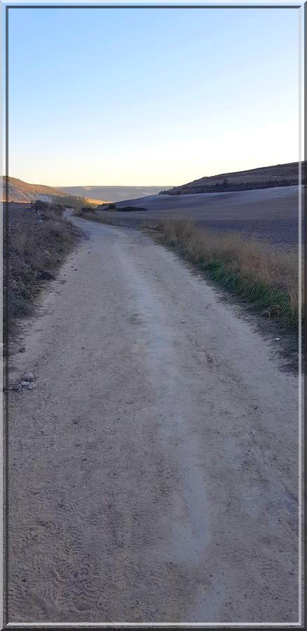936 - Suite37 : -Notre Chemin vers St Jacques de Compostelle à travers ses anecdotes-