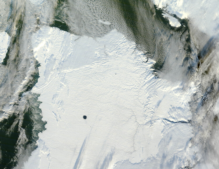 Ice-Free_Crater_Lakes_on_Ungava_Peninsula
