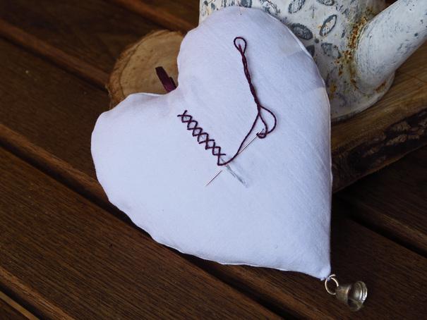 Cœurs brodés