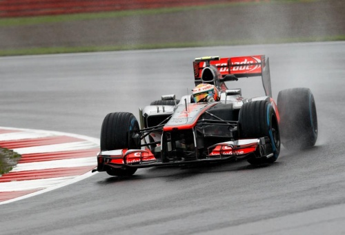 GP Angleterre : Course - Hamilton 8°, Button 10°