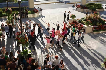 FlashMob_TheBravern9-1024x682