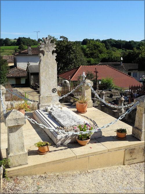 Photo de la Tombe de Toulouse Lautrec (Verdelais)
