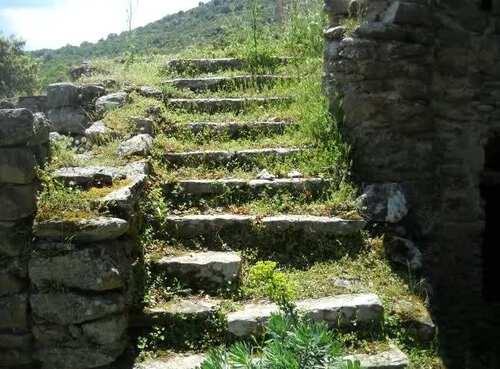 Descendez l'ecalier que je vous voie Juliette ...