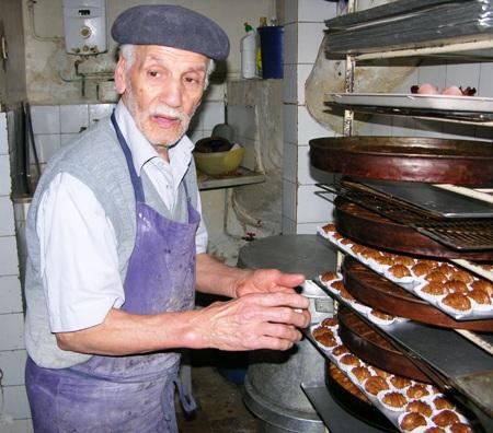 Hadj,Ali Oukoulou  le plus ancien «halouadji» d\u0027Alger