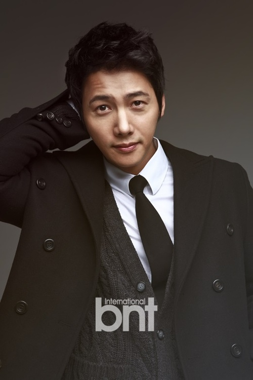 Lee Sang Woo pour bnt International